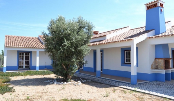Real estate in santarem lisbon center portugal golf property for sale including the algarve - Maison a vendre portugal bord de mer ...
