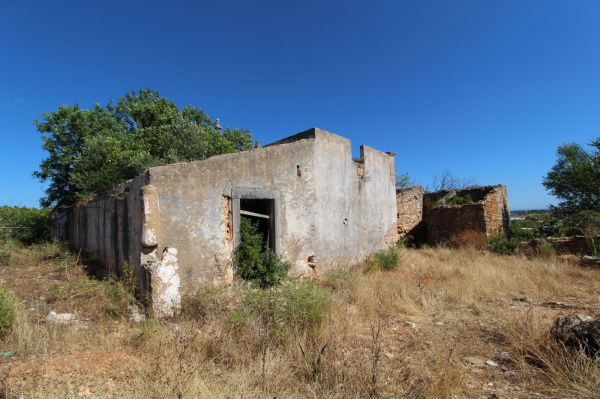 Ruin_for_sale_in_Loule_SMA13411