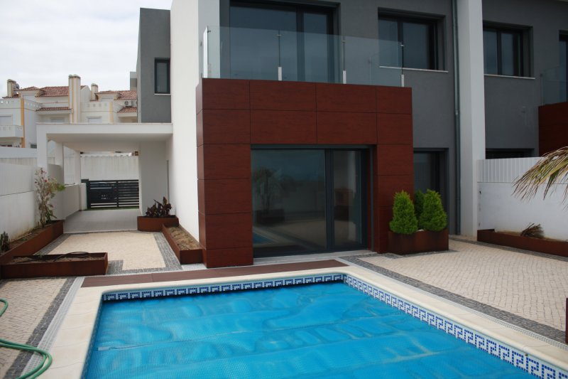 Home_for_sale_in_Ericeira_SLI8147